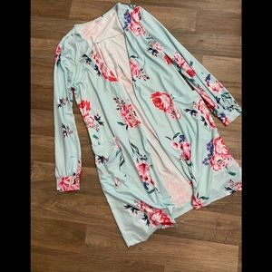 Like New Floral Cardigan!